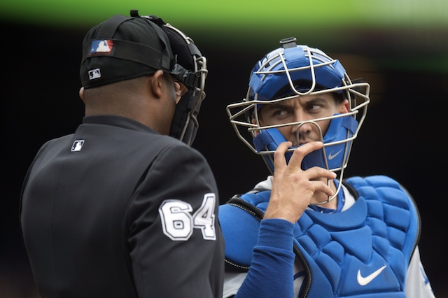 Austin-Barnes-umpire